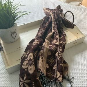 Brown and tan flared scarf